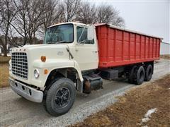 1975 Ford 8000 T/A Grain Truck