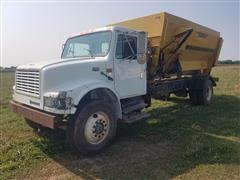 1995 International 4900 Feed Truck