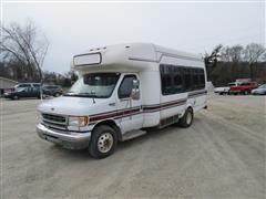 1998 Supreme Ford Super Duty Bus
