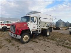 1976 Ford 800 Fertilizer Dry Tender Truck