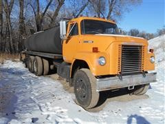 1974 International Fleetstar 1910A Oil Distribution Truck
