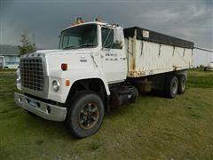 1980 Ford LN9000 Grain Truck