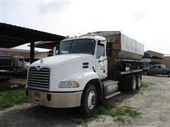 2005 Mack Vision T/A Fertilizer Truck