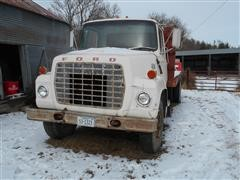 1974 Ford 700 Flatbed Truck