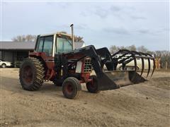 1980 IHC 1086 Tractor W/Loader