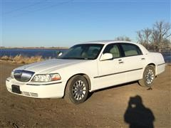 2007 Lincoln Signature Town Car