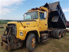 1992 Ford LT8000F T/A Dump Truck