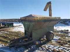 John Deere 210 Auger Wagon