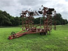 Wil-Rich 2500 48' Field Cultivator