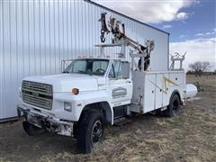1989 Ford F800 S/A Crane Truck