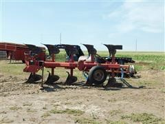 Case IH 165 5-Bottom Spinner Plow