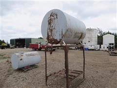 500 Gallon Fuel Tank on Stand