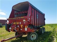 Meyer RT218 Forage Wagon
