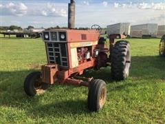 1971 International 966 2WD Tractor
