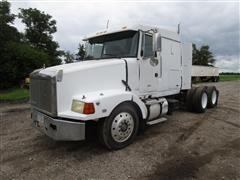 1994 Volvo White GMC WIA64T T/A Truck Tractor