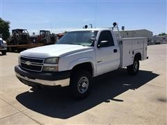 2006 Chevrolet 3500 4WD Service Truck