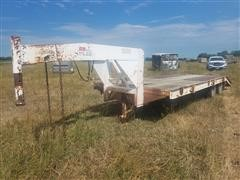 1980 Bell's Camp Trailer T/A Flatbed Trailer