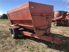 Oswalt 3340 Horizontal Mixer Wagon