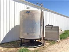 Ace Roto-Mold 2550 Gallon Poly Storage Tank