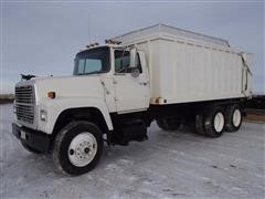 1989 Ford LT8000F Silage/Grain Truck