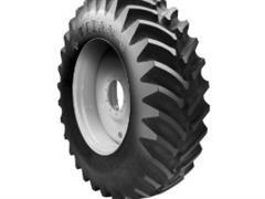 Titan 18.4-30 Hi Trac Lug 8 PR