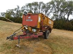 Knight Reel Augie 3300 Feeder/Mixer Wagon