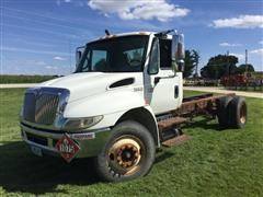 2004 International 4300 Cab & Chassis