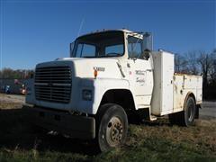 1990 Ford L7000 Service Truck