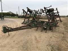 John Deere 960 C Shank Field Cultivator