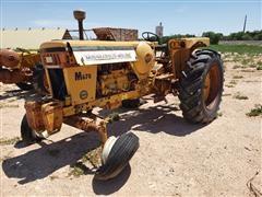 Minneapolis-Moline M670 Super 2WD Tractor