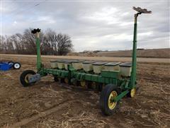John Deere 7100 8R20 Bean Planter