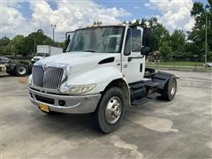 2003 International 4400 SBA S/A Truck Tractor