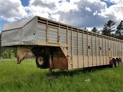 1982 Daktra Tri/A Gooseneck Livestock Trailer