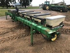 John Deere 7300 8R38 Maxemerge Vacumeter Planter
