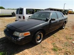 2000 Ford Crown Victoria Patrol Car