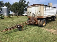 1974 American 21' Pup Trailer
