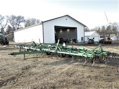 1996 John Deere 980 36' Field Cultivator