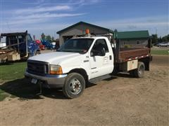 1999 Ford F550 4x4 Flatbed Truck