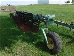 John Deere 2800 Variable Width 6 Bottom Moldboard Plow W/On-Land Hitch