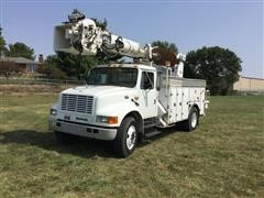 2002 International 4700 Digger Derrick Truck