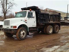 1999 International 4900 T/A Dump Truck