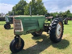 Oliver 70 2WD Single Wheel Narrow Front Row Crop Tractor