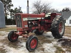 1968 International 756D 2WD Tractor