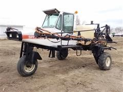 1989 Melroe Spra-Coupe 220 Sprayer
