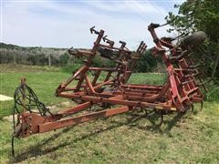 International 4600 Field Cultivator