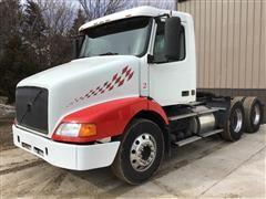 2000 Volvo VNM64T200 T/A Truck Tractor