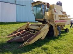 New Holland 1400 2WD Combine For Parts Or Salvage