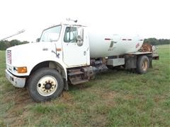 2000 International 4900 4X2 S/A Propane Tanker Truck