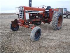1978 International 686 2WD Tractor