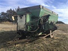 Henke B370 Feed Wagon